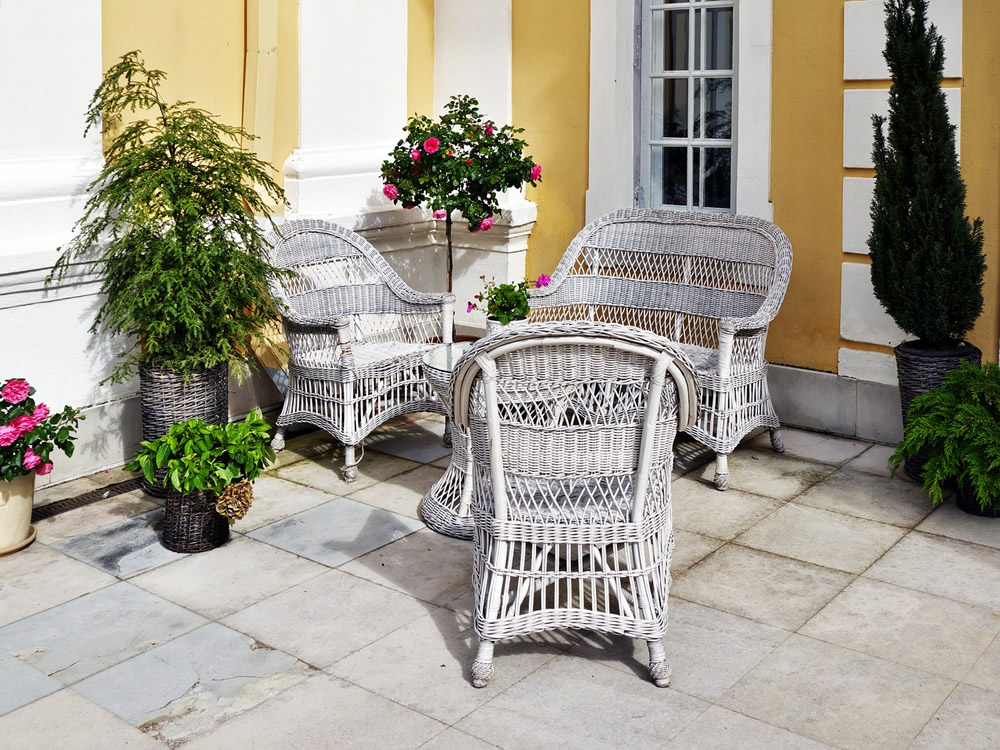 wicker-furniture-2773952_1280
